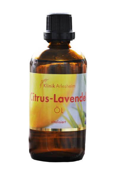 Eine Flasche Citrus-Lavendel Öl, das vitalisiert