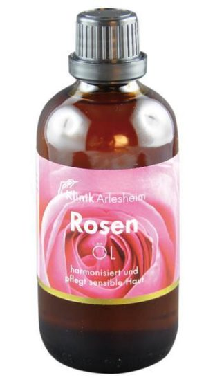 Eine Flasche Rosen Öl harmonisiert und pflegt sensible Haut
